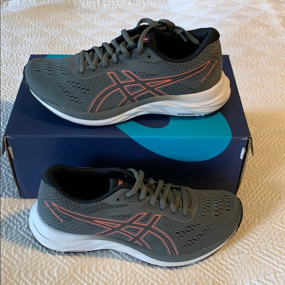ASICS GEL Excite 6 Women's Running Shoe Size 6 NWT